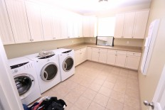 Cottonwood laundry room